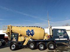 ConstructionFans Noter Dame, Touchdown Jesus, Go Irish, Notre Dame Football, Football Stuff, Fighting Irish, Buffalo Bills, Thunder, Shake