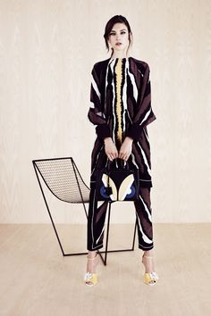 Such a chic print... is that a jumpsuit? or two pieces... #boho