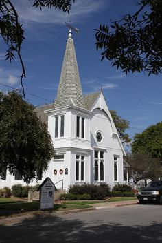 Bastrop Christian Church, Bastrop, TX by David Stall, via Flickr  Pretty, reminds me of the baptist church on H and Ocean in Lompoc...