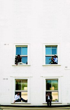 Ideal wallpaper for IPhone of Mumford and Sons Sigh no More windows shot