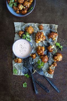Nämä wingsit sinun on maistettava - ai että on hyvää ja niin kevyttä Cauliflower Recipes, Smell Good, Chana Masala, Cooking Tips, Tapas, Nom Nom, Ethnic Recipes, February, Food
