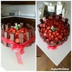 #cake#with kitkat#strawberries