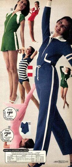 workout clothes for women 70s Women Fashion, Tennis Fashion, 70s Outfits, Sport Outfits, Mens Velour Tracksuit, Vintage Tracksuit, 80s Workout Clothes, Tennis Wear, Retro Gym