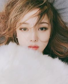 2019 most popular hair color, beautiful hair style with suitable hair color, more fashionable and young Asian Makeup, Korean Makeup, Korean Beauty, Asian Beauty, Makeup Tips, Beauty Makeup, Hair Beauty, Pony Makeup, Japanese Makeup