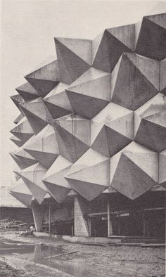 "50 ans Anniversaire Expo 1964 - Pavillion ""Wehrhafte Schweiz"" designed and constructed for the Swiss Army in conjunction with the Swiss National Exhibition of 1964 in Lausanne - Pictures from Swiss Construction Foremen Magazine"