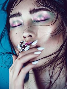 Sui He by Chen Man for Vogue China Collections Pre Fall 2014 » Eyeshadow Lipstick
