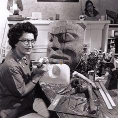 Ellen Neel - the First Female Northwest coast Native carver 1916 - 1966 Native American Artists, Canadian Artists, Native American Indians, Native Indian, Native Art, Aboriginal Culture, Haida Art, Indian Artist, Costa
