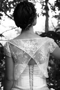 Sophie Grimaud - wedding dress - A fairy in the forest - Photo credits Jennifer Chosson