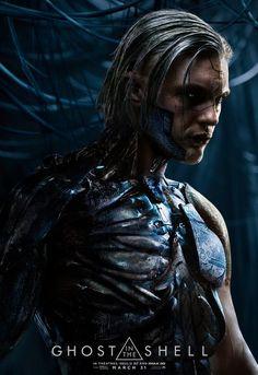 Новый промо-ролик и постер фантастической ленты «Призрак в доспехах» с участием центрального антагониста фильма, сыгранного Майклом Питтом.