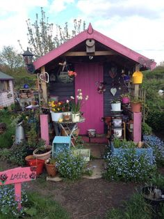 Pink and Purple allotment shed. Pink and Purple allotment shed. Allotment Design, Allotment Plan, Allotment Gardening, Shed Design, Garden Design, Cool Sheds, Custom Sheds, She Sheds, Potting Sheds