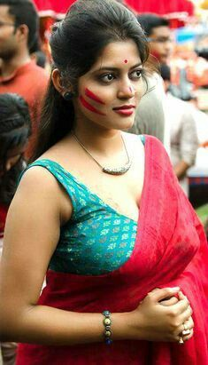 Hot Sexy And Pretty Indian Women In Saree Check Out Exclusive Arousing Pictures