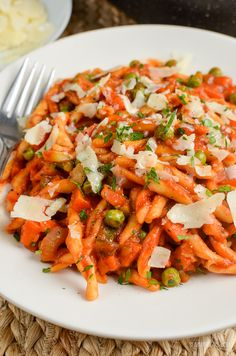 Slimming Eats One Pot Speed Pasta - dairy free, Vegetarian, Slimming World and Weight Watchers friendly