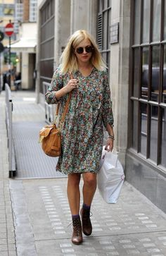 Fearne Cotton Photos Photos: Fearne Cotton Out and About 2 Pregnancy Looks, Pregnancy Outfits, Flowery Dresses, Fearne Cotton, Dress Skirt, Shirt Dress, Cotton Style, Ankle Socks, Hippy