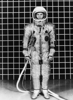 apollo space suit development - photo #47