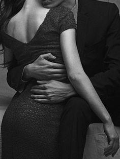 Ich halte Dich. Dieser Moment der Unendlichkeit, der Zeitlosigkeit, des Bades in der Liebe. Dann tapfer vorwärts, zurück ins Leben.