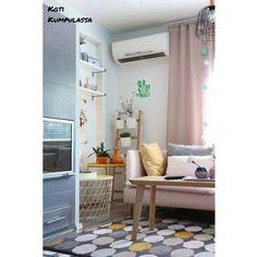 #sisustus #olohuone #sohva #söderhamn #sohvapöytä #lisabo #matto  #sisustusinspiraatio #sisustuskuume #skandinaavinenkoti #skandinaavinensisustus #viherkasvit #menaiset #persoonallinenkoti #värikäskoti #interior #decor #livingroom #sofa #couch #sofatable #coffeetable #carpet  #houseplants #succulent #interiorinspiration #scandinavianinterior #scandinavianhome #colourfulhome #colorfulhome | Me Naiset – Blogit | Koti Kumpulassa – Sisustuskuumeen parantamista - Olohuoneen päivitys