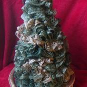 """Sashay Ruffled 15"""" Christmas Tree - via @Craftsy"""