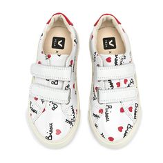 Veja Baskets Scratchs Cuir Esplar Bisous x Mathilde Cabanas-product Little Girl Fashion, Kids Fashion, Inspiration For Kids, Style Inspiration, Best Baby Shoes, Boys And Girls Clothes, Kids Wear, Fabric Patterns, Boy Or Girl