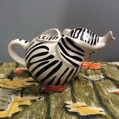 Vintage French LIPTON Zebra Stripes elephant teapot. Figural animal teapot. Baby Elephant Cake, Elephant Teapot, Elephant Applique, Elephant Pattern, Little Elephant, Elephant Nursery, Lipton, Teapots And Cups, Chocolate Pots