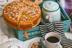 Almond Cakes, Camembert Cheese, Breakfast, Ethnic Recipes, Food, Morning Coffee, Essen, Meals, Yemek