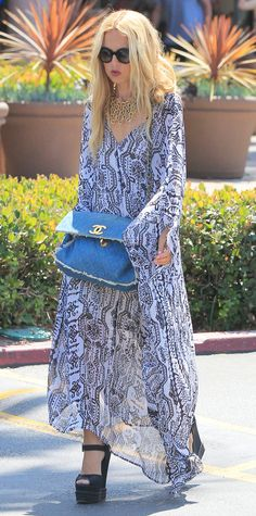 Rachel Zoe has found the ultimate dress for your next summer party: a floor-grazing kaftan paired with platform pumps | from InStyle.com