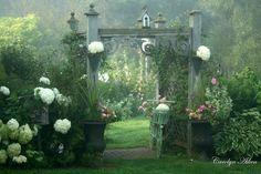 ein Garten mit zauberhaften Flair