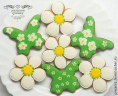 "Пряники ""Ромашки"" - ярко-зелёный,пряники ромашки,расписные пряники,имбирные пряники Butterfly Cookies, Flower Cookies, Cookie Designs, Cookie Decorating, Decorated Cookies, Flowers, Desserts, Corner, Crack Crackers"