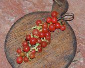 "Dollhouse miniatures ""Italian Braid of cherry tomatoes""-Artisan Handmade Miniature in 12th scale. From CosediunaltroMondo"