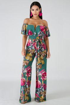 Floral Print Off Shoulder Jumpsuit Jumpsuit Outfit, Floral Jumpsuit, Jumpsuit Style, Luau Outfits, Chic Outfits, Tropical Outfit, Style Blogger, Off Shoulder Jumpsuit, Two Piece Outfit
