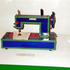 Máquina de coser. Modelo propo. Cose sin canilla por el sistema de cadeneta. Piezas MARKLIN y MECCANO