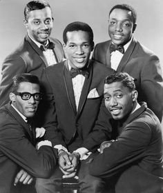 The Temptations (L-R: David Ruffin, Melvin Franklin, Eddie Kendricks, Paul Williams and Otis Williams=.