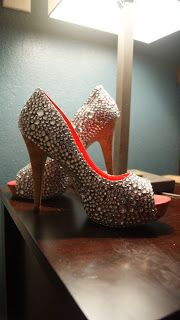 Rhinestone DIY shoes! The Celluloid Dollhouse: Craft Therapy and Ice Cream.