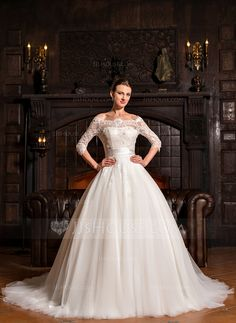 Ball-Gown Off-the-Shoulder Court Train Tulle Lace Wedding Dress (002067207)