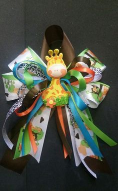 Safari-Animal giraffe Baby Shower Corsage handcrafted for mother to be Boy HandCrafted BabyShower babyshower baby shower distintivos 179440366391824464 Distintivos Baby Shower, Baby Shower Giraffe, Baby Shower Princess, Baby Shower Gender Reveal, Baby Shower Games, Baby Corsage, Baby Shower Pictures, Kanzashi, Baby Party
