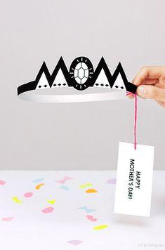 Imprímele esta linda corona y haz que la use durante todo el día. | 15 Ideas DIY para que vayas preparando el Día de las Madres
