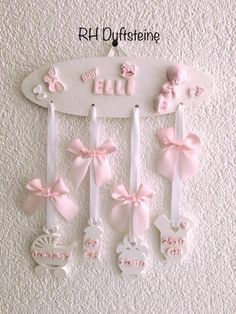Coisas para a Alice. Setembro 2018. Diy Baby Gifts, Baby Crafts, Diy And Crafts, Crafts For Kids, Newborn Baby Gifts, Baby Decor, Baby Shower Decorations, Ideas Scrapbook, Baby Frame