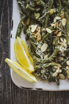 Roasted Garlic Green Beans with Lemon and Parmesan — Edible Perspective Garlic Green Beans, Roasted Green Beans, Healthy Eating Recipes, Vegetarian Recipes, Cooking Recipes, Vegetable Side Dishes, Vegetable Recipes, Roasted Garlic, Fabulous Foods
