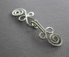 Handmade Celtic knot German silver cardigan clasp or sweater clasp for knit and fabric - Sew-on clasp - Sew-on sweater button - Jewelry Clasps, Wire Wrapped Jewelry, Metal Jewelry, Jewelry Findings, Celtic Knot Jewelry, Jewellery, Handmade Copper, Handmade Jewelry, Wire Clasp