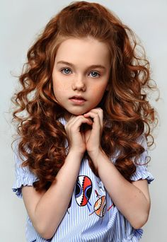 80 Long Curly Hairstyles for Women – Page 56 of 80 – Soflyme 80 Long Curly penteados para mulheres Long Curly Hair, Curly Girl, Curly Hair Styles, Little Girl Curly Hair, Toddler Haircuts, Little Girl Haircuts, Beautiful Hairstyle For Girl, Beautiful Hairstyles, Kids Curly Hairstyles