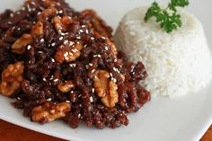 Chinese Honey-glazed Beef and Walnuts, an authentic dish from Northern China.  Deeelicious!