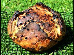 Avant de faire son pain, on ne sait pas trop à quoi s'attendre et puis on se lance et certains deviennent même accro à la boulange ! Pain sans pétrissage, pain au lait, pain cocotte, pain viennois, aux graines, voici quelques recettes pour explorer une petite partie de l'éventail des pains fait maison. Chef Simon, Pain Au Levain, Salmon Burgers, Turkey, Bread, Ethnic Recipes, Explorer, Voici, Chocolate Chip Bread