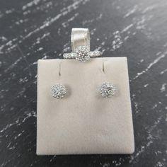 Diamonds are forever und wir sind forever in love mit diesem 0,9ct starken Set. ❤️