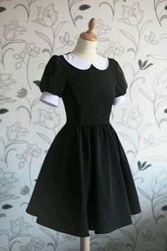 Vintage black dress with cute white collar, Wednesday Addams inspiration . - Vintage black dress with cute white collar, Wednesday Addams inspiration Mehr Source by - Trendy Dresses, Cute Dresses, Vintage Dresses, Fashion Dresses, Vintage Shoes, Simple Dresses, Cute Fashion, Vintage Fashion, Classy Fashion