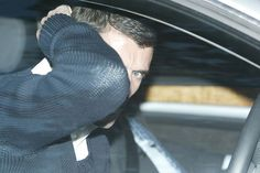 Keane hides his face after leaving United in 2005