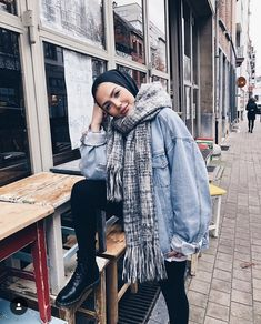 How to Style Hijab Outfit For Winter On This Season – Hijab Fashion 2020 Casual Chic Outfits, Uni Outfits, Casual Hijab Outfit, Hijab Chic, Winter Fashion Outfits, Outfit Winter, Modest Winter Outfits, Casual Winter, Outfit Summer