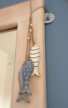 Fish Crafts, Beach Crafts, Fabric Fish, Container Shop, Fish Wall Decor, Wood Fish, Fish Sculpture, Diy Artwork, Wooden Animals