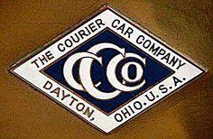 La marque automobile Américaine de voitures Courier fut fondée en 1910, la marque s'éteignit en 1912.