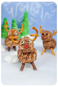 coco crispy reindeer for the gingerbread house village :)