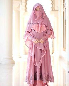 Abaya, simple but classy and elegant Hijab Niqab, Muslim Hijab, Hijab Chic, Niqab Fashion, Muslim Fashion, Girl Fashion, Islamic Fashion, Trendy Fashion, Beautiful Muslim Women