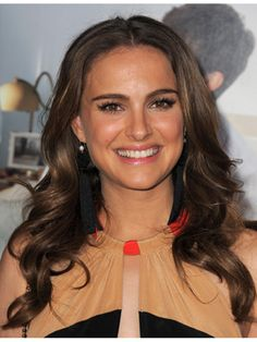 Google Image Result for http://www.celebrityhaircolorguide.com/wp-content/uploads/2012/01/cos-natalie-portman-wavy-hair-how-to-mdn.jpg